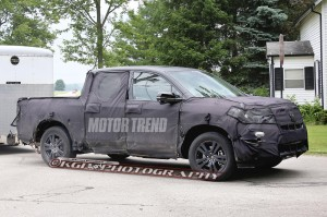 2016-honda-ridgeline-spy-shot-side-4