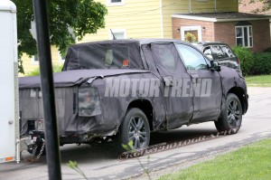 2016-honda-ridgeline-spy-shots-rear-three-quarters-1