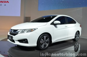 Honda-City-front-three-quarter-at-Auto-Shanghai-2015-900x596